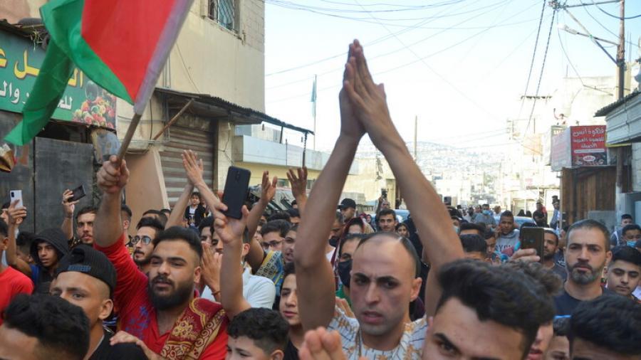 آلاف الأردنيين يحتشدون قرب الحدود مع فلسطين