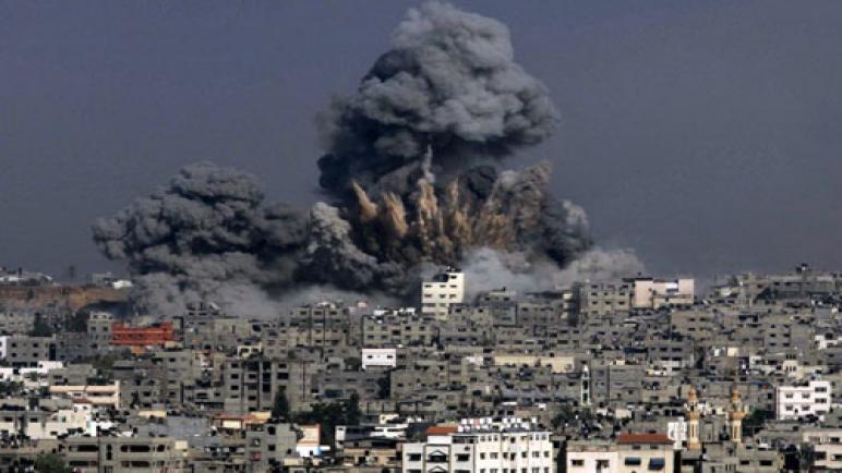 طائرات الاحتلال الصهيوني تشن أعنف سلسلة غارات على مدينة غزة وتلحق أضرارا جسيمة في الممتلكات