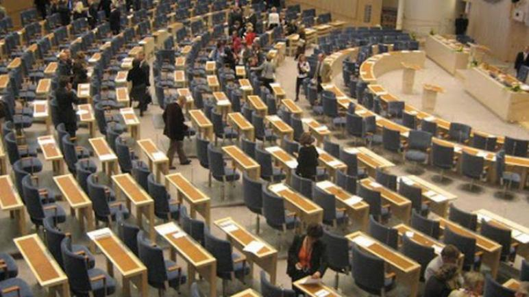 برلمانيون سويديون يطالبون بتحرك أوروبي ضد إيران