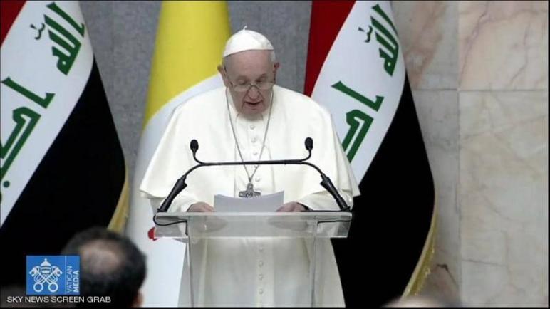 من بلد دمرته الحروب لسنوات، أطلق بابا الفاتيكان نداءه، راجيا أن تصمت الأسلحة