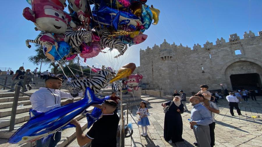 اجواء عيد الفطر في باب العامود بالقدس1