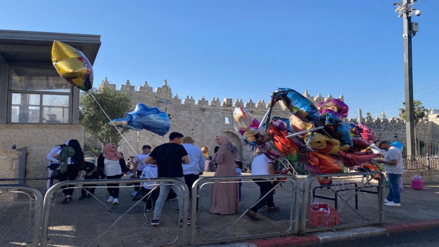 اجواء عيد الفطر في باب العامود بالقدس2