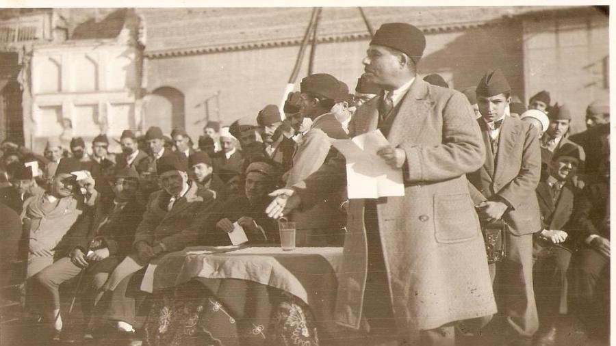 الشاعر-معروف-الرصافي-في-مدرسة-التفيّض-–-1928